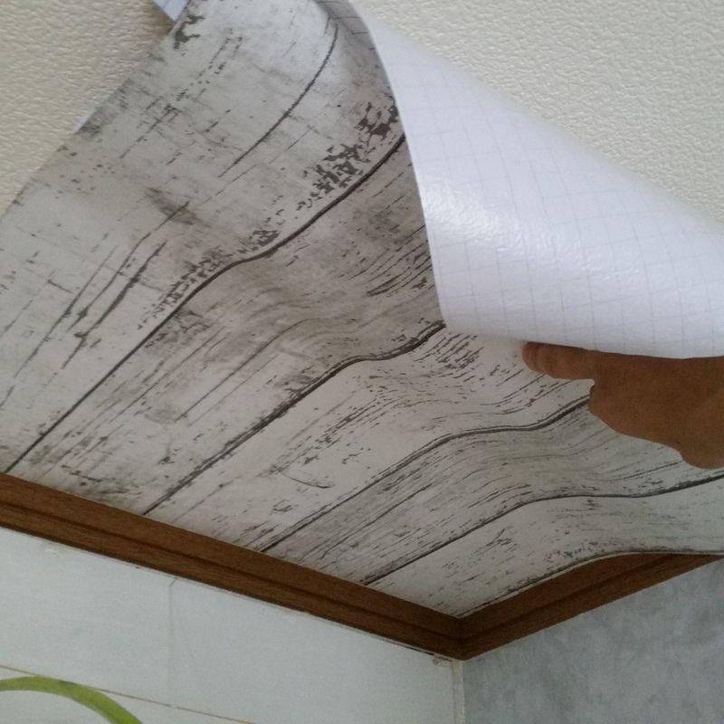 賃貸の天井を剥せる壁紙でdiy Diyrepi ダイレッピ 天井 壁紙