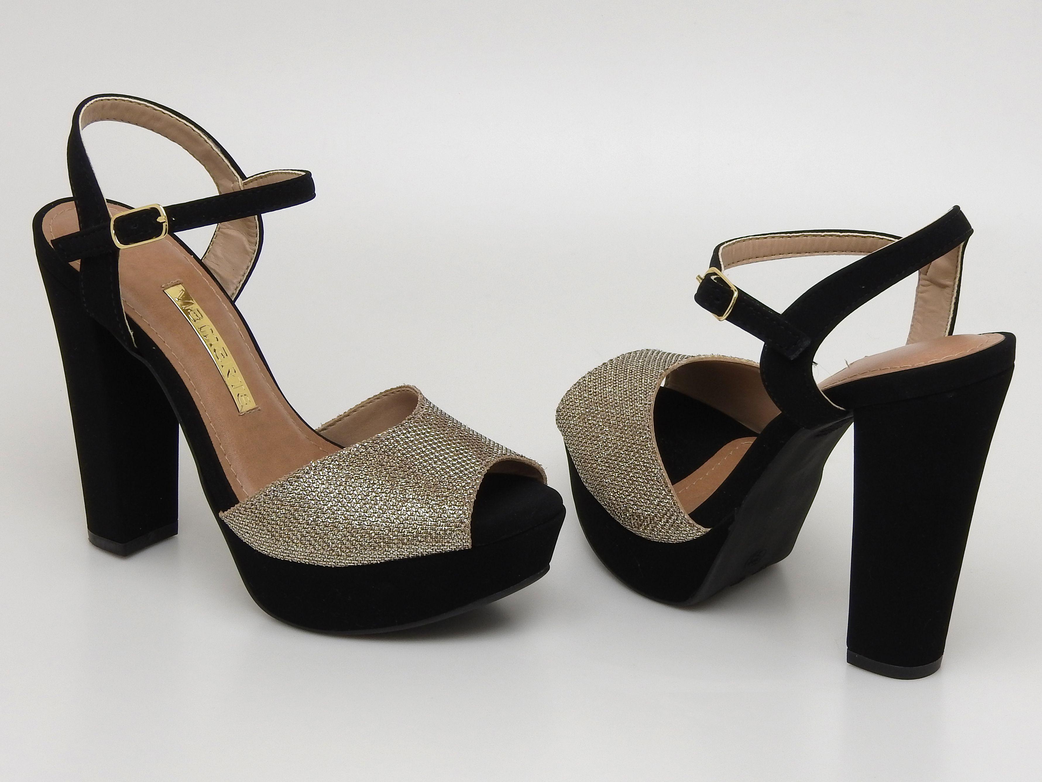 fa95f10ec A nova coleção Via Marte é a cara das Garotas do Brasil. Sandália de salto  alto – heels – black – brilho – prata - summer – Verão