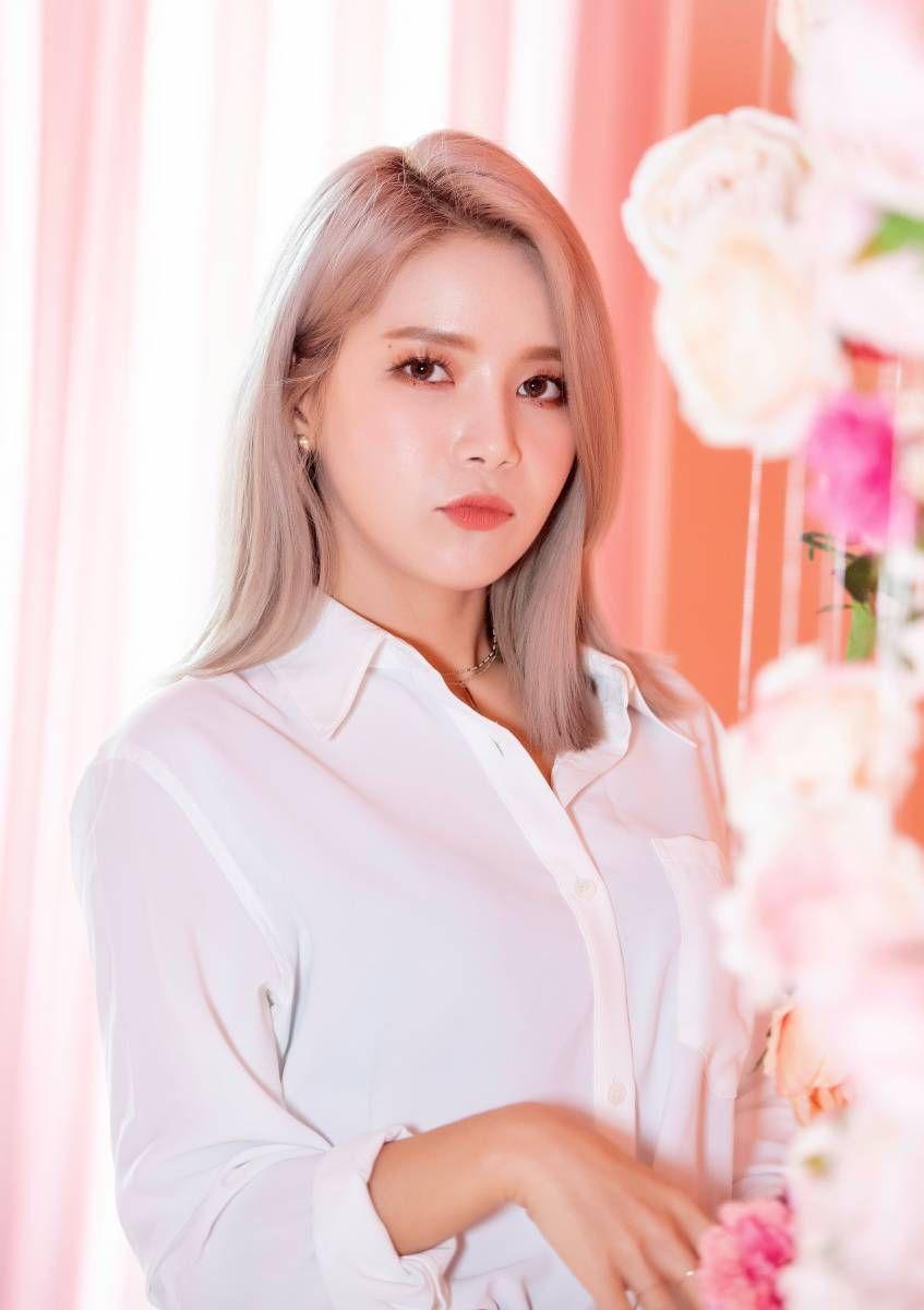 #Nayeon #Twice   Nayeon, Kpop girl groups, Im nayeon