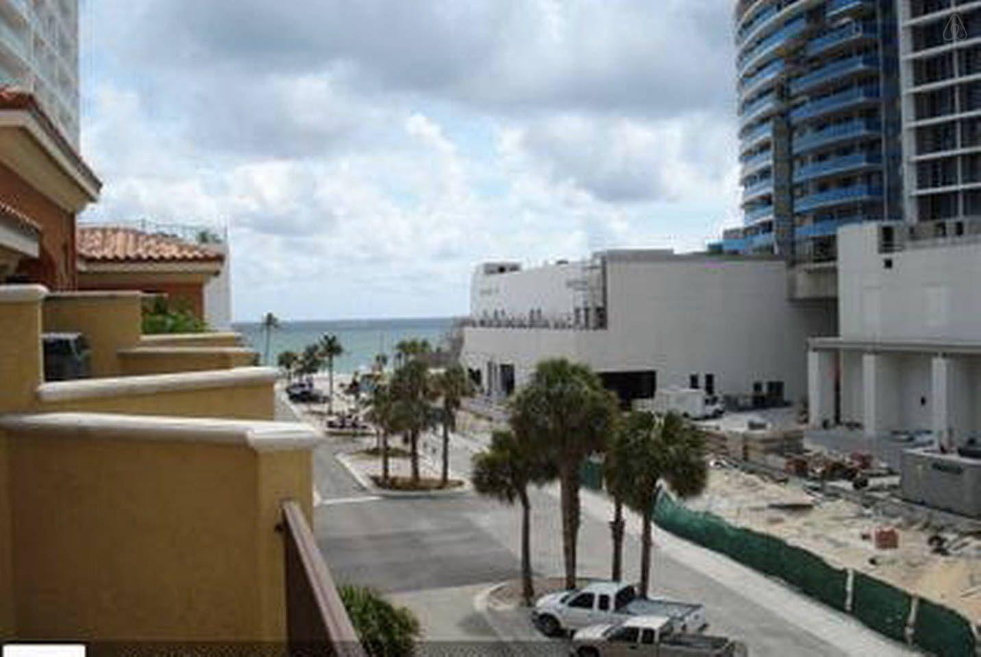 Posh Ft Lauderdale Beach Strip Th In Fort Lauderdale Florida Vacation Rentals Condos In Florida Lauderdale Beach