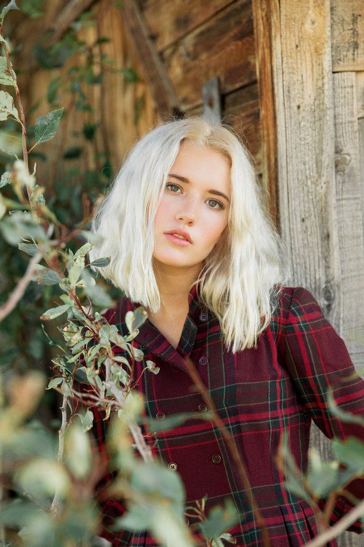 Lola  Platinum Blonde Hair, Platinum Blonde And Natural -6466