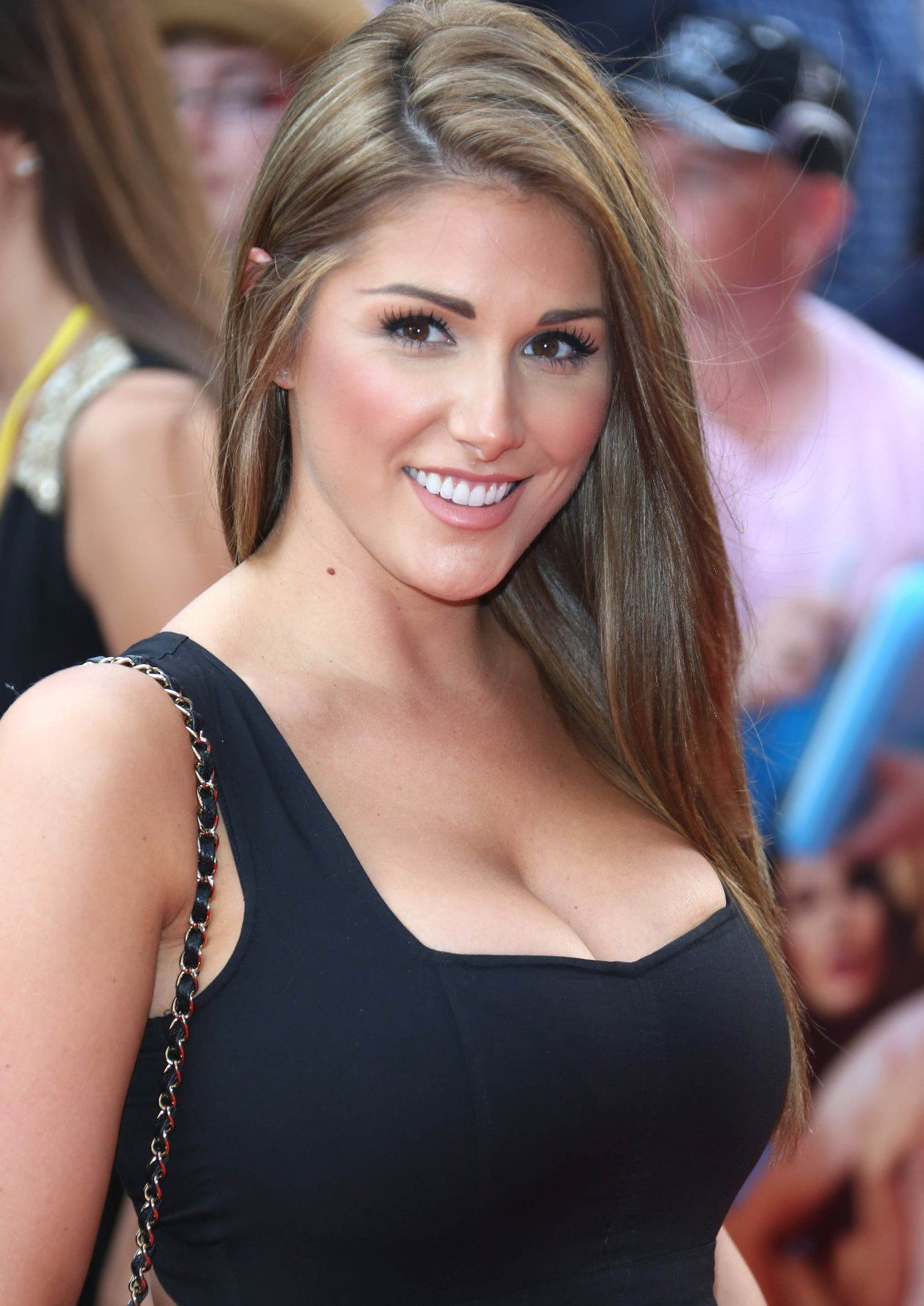 Celebrity Lucy Pinder naked (55 foto and video), Pussy, Paparazzi, Twitter, in bikini 2019