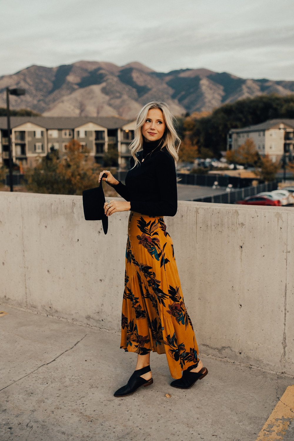 Fall Outfit with Skirt | ROOLEE