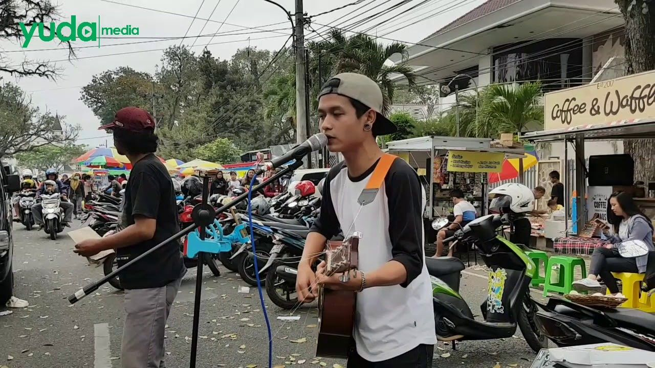 Payung teduh cover pengamen Payung
