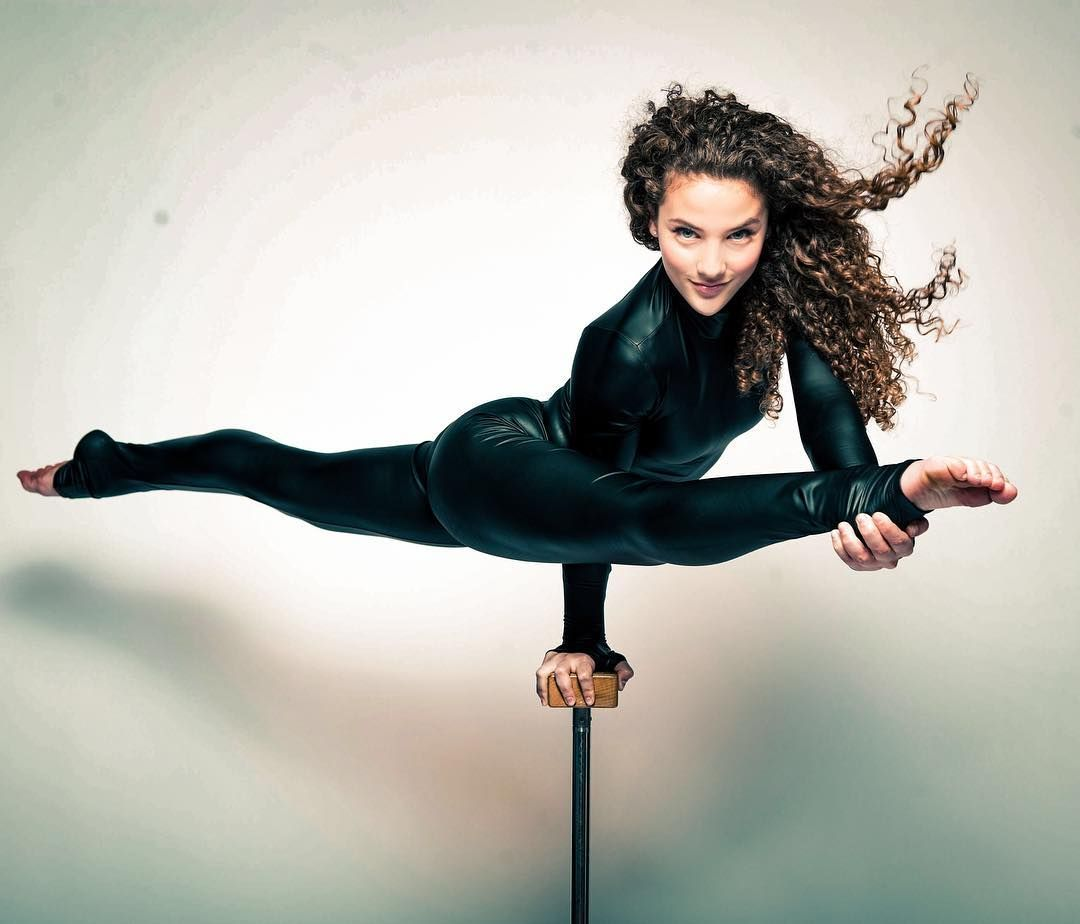 Strike a pose lingerfree gymnastic in 2019 sofie dossi gymnastics flexibility - Sofie dossi gymnastics ...