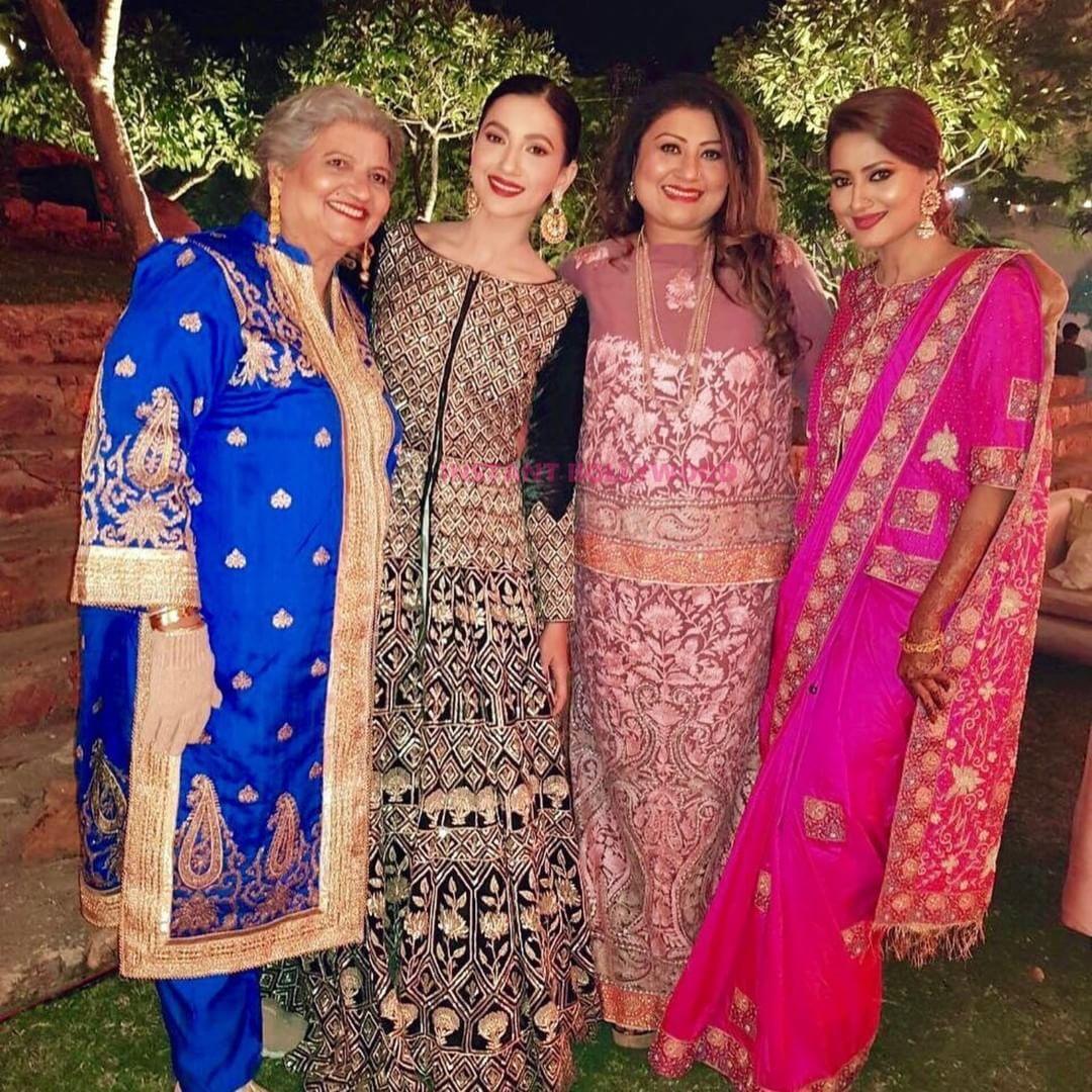Family Goals : Gauhar Khan with her Sisters & Mom at Rode wedding.   Gauhar  khan, Bollywood stars, Celebrity weddings