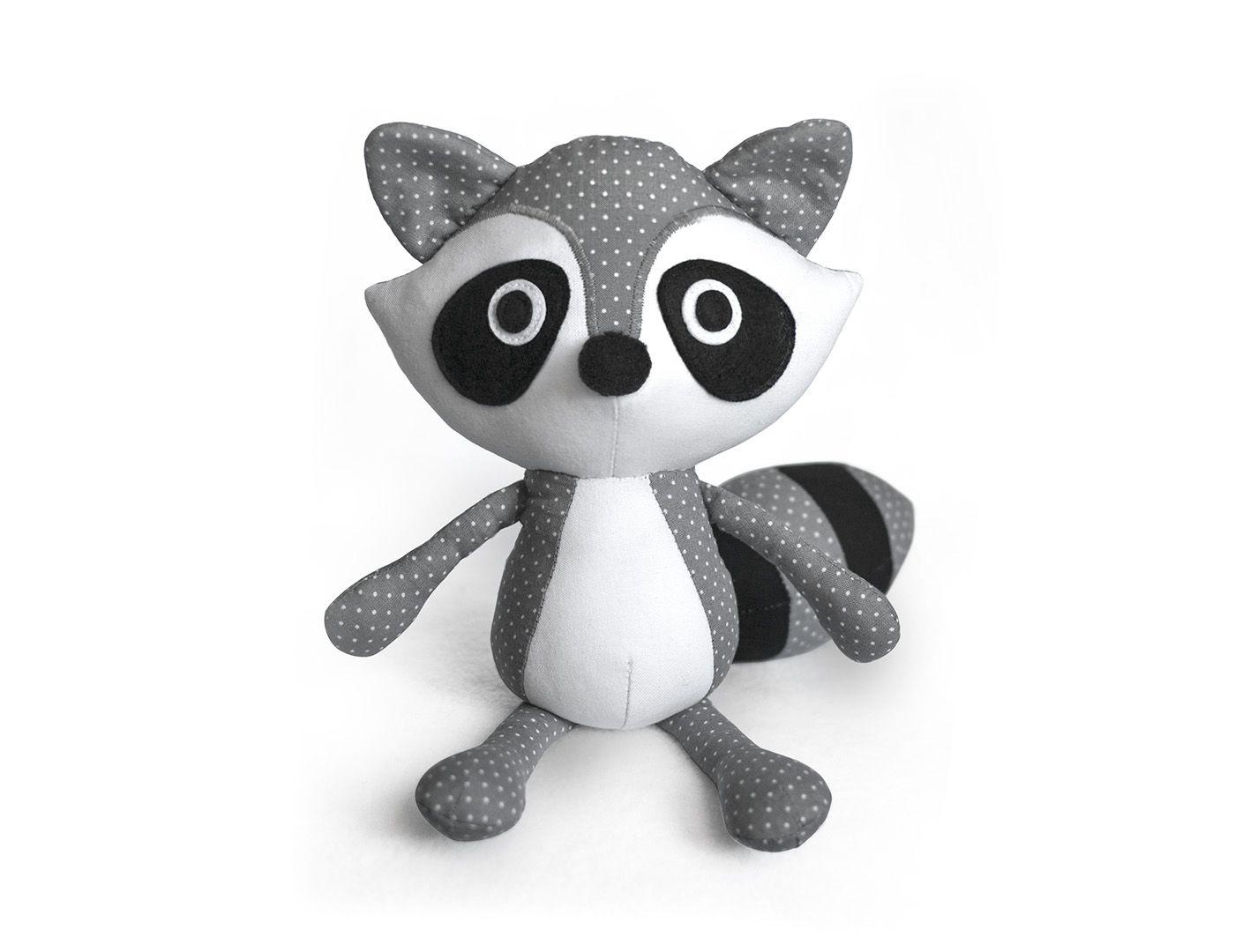 Mariska's Blog - designer of Fluffels and DIY Fluffies. Mariska makes cute soft toy sewing & crochet patterns and adorable stuffed animals.
