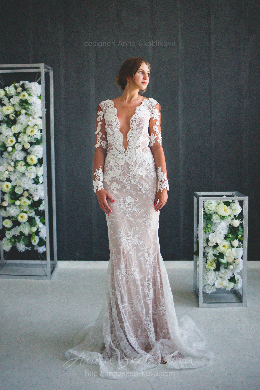 Handmade lace wedding dress in anna skoblikova wedding