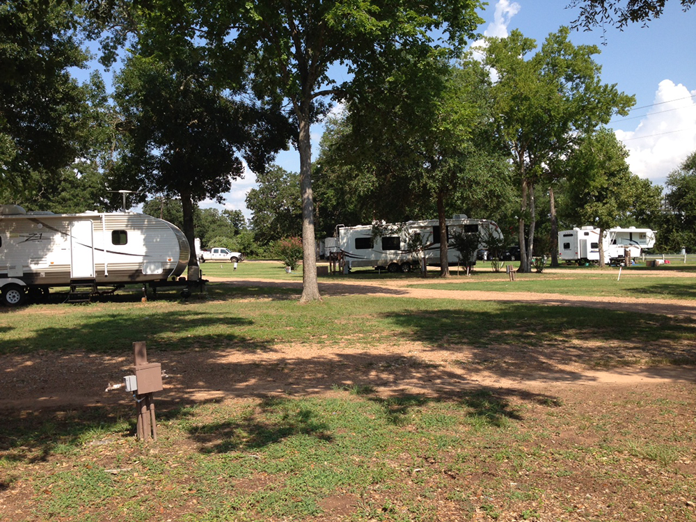 Happy Oaks Rv Park At Columbus Alleyton Texas United States Passport America Discount Camping Club Camping Club Rv Parks Campground