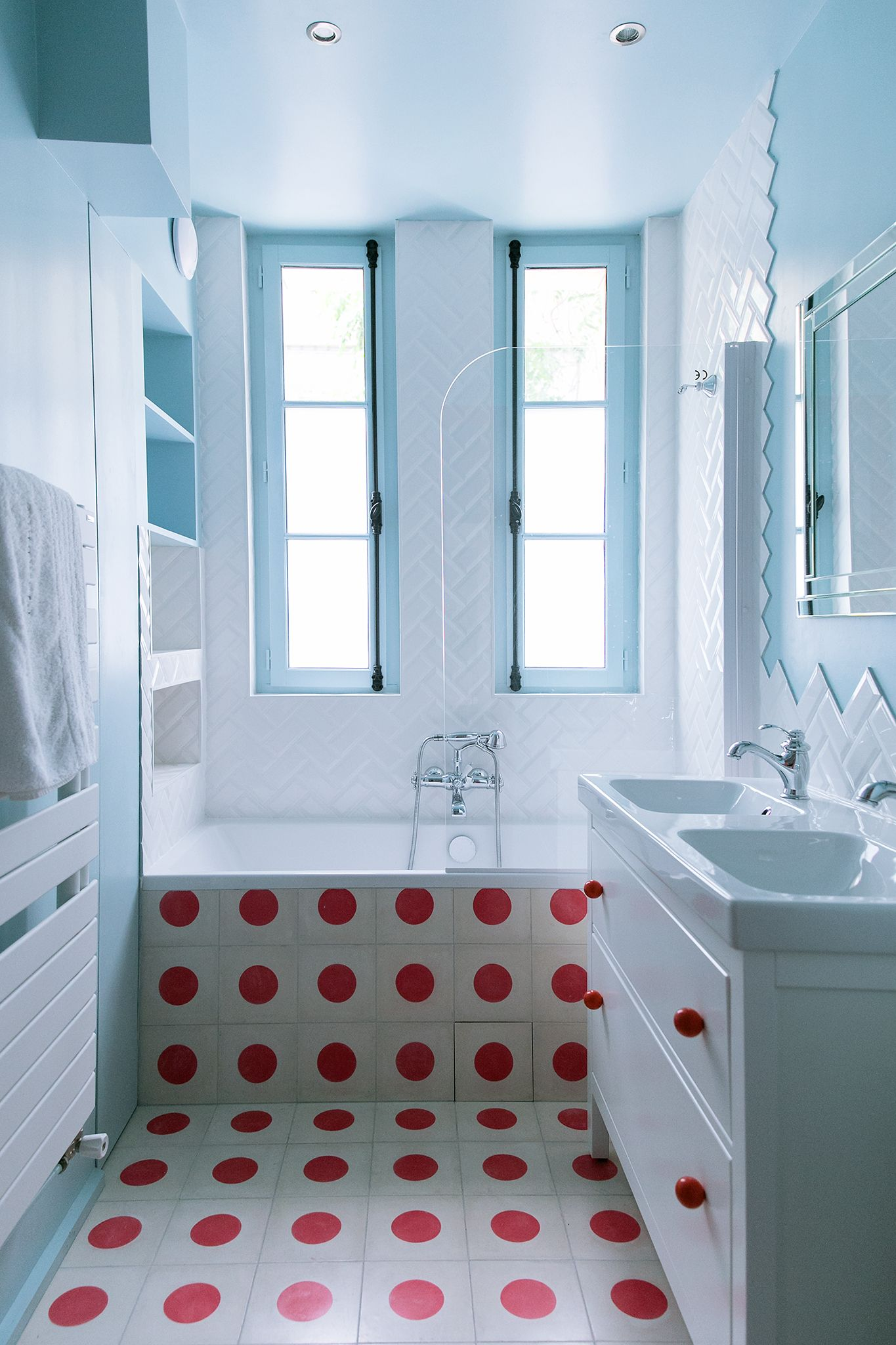 Eugene Manuel Gcg Architectes Bathroom Design Small Retro