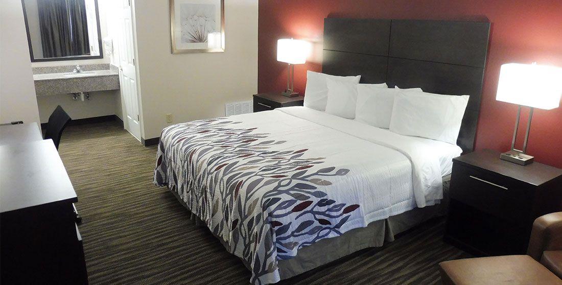Budget, Pet Friendly Hotel in Defuniak Springs, FL 32435