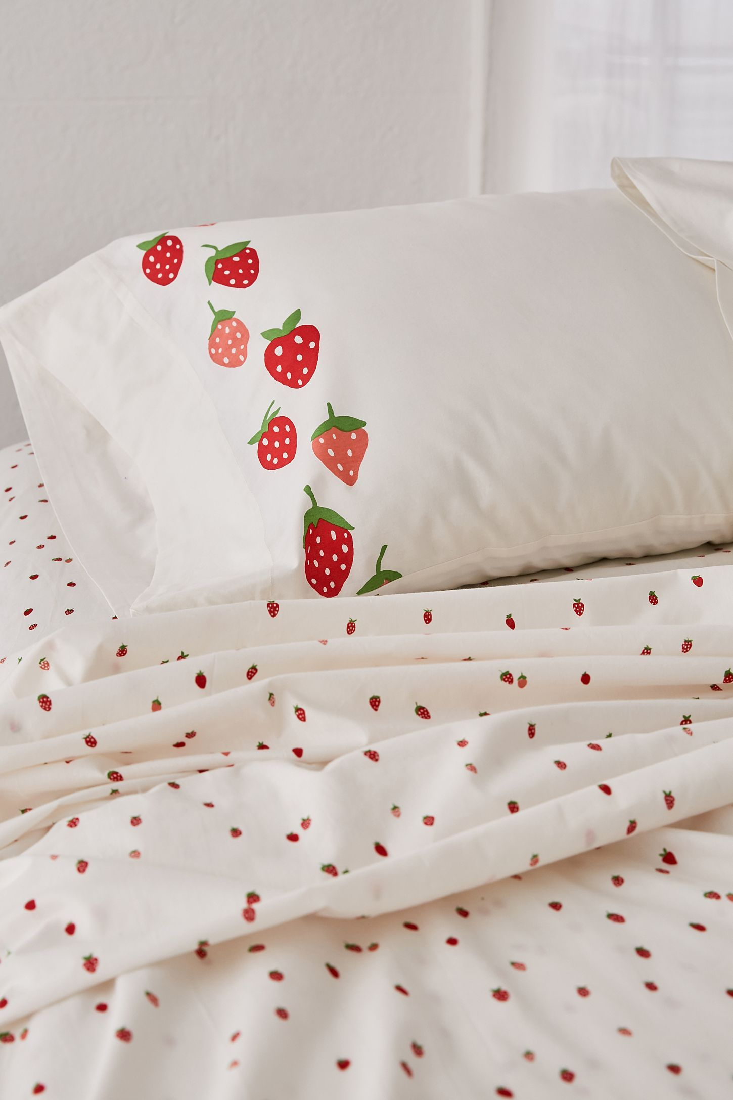 2e86a6d53e Strawberry Sheet Set in 2019 | Home Sweet Home | Home decor bedroom ...