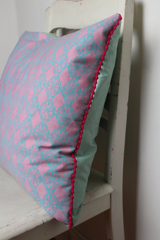 Kissen Kissenhulle Kissenbezug 50x50 Rosa Mint Pink Bohokissen Scandikissen Pompons Sofakissen Bommel Dekokissen Skan Bett Kissen Kissenbezug 50x50 Boho Kissen