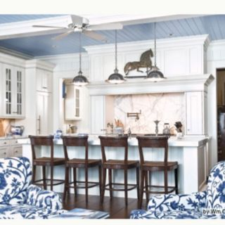 Love the white & blue and the great ceiling