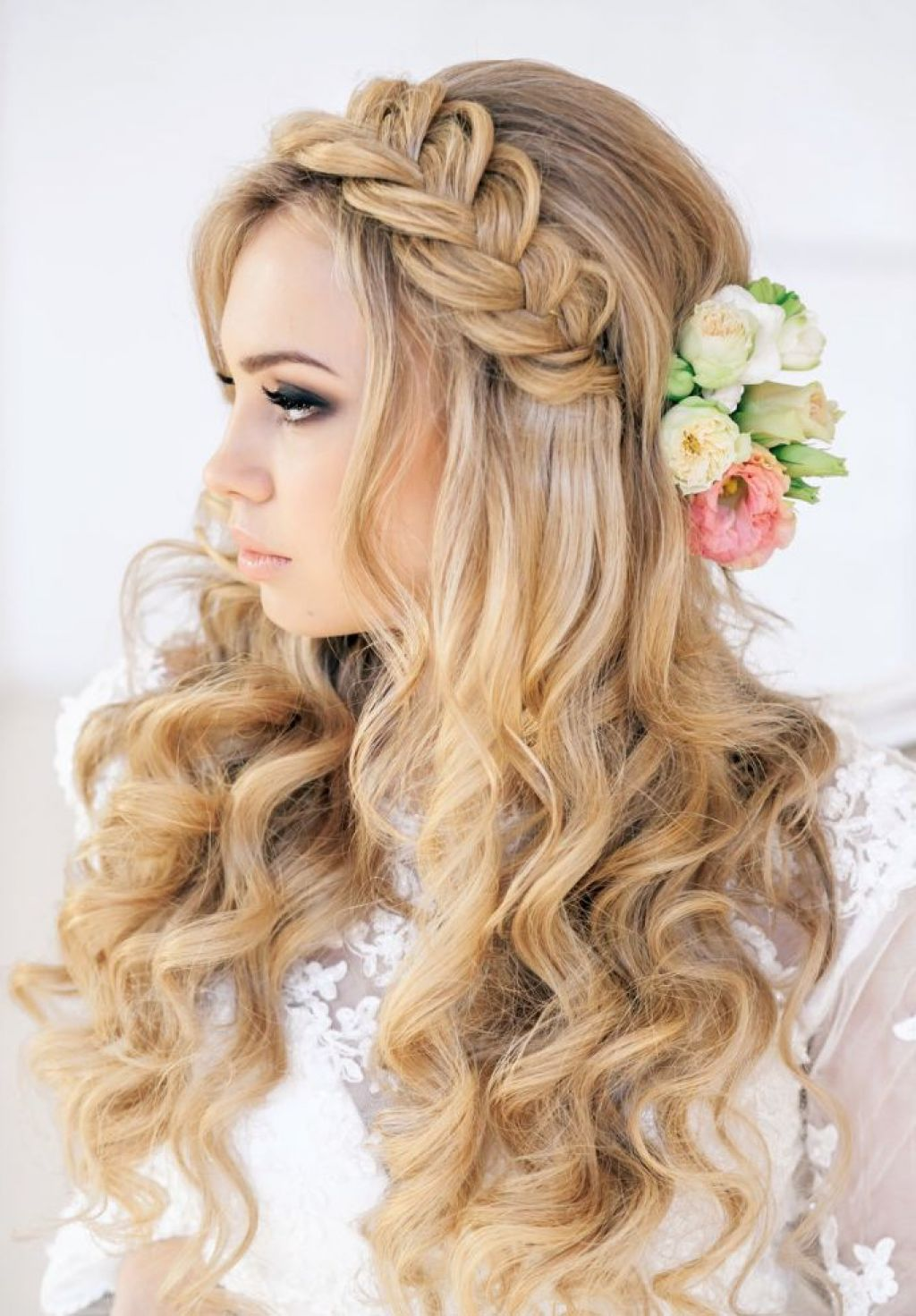 Long Blonde Hairstyle Ideas With Braid Headband ...