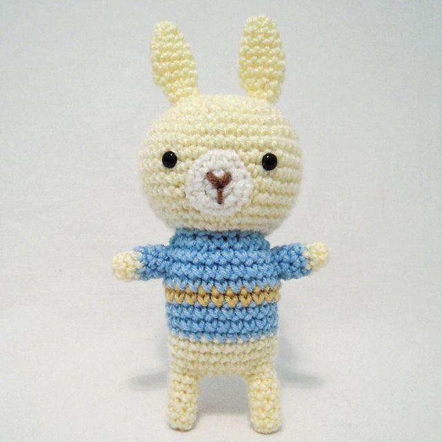 Sweater Bunny Free Amigurumi Pattern PDF version ( click \