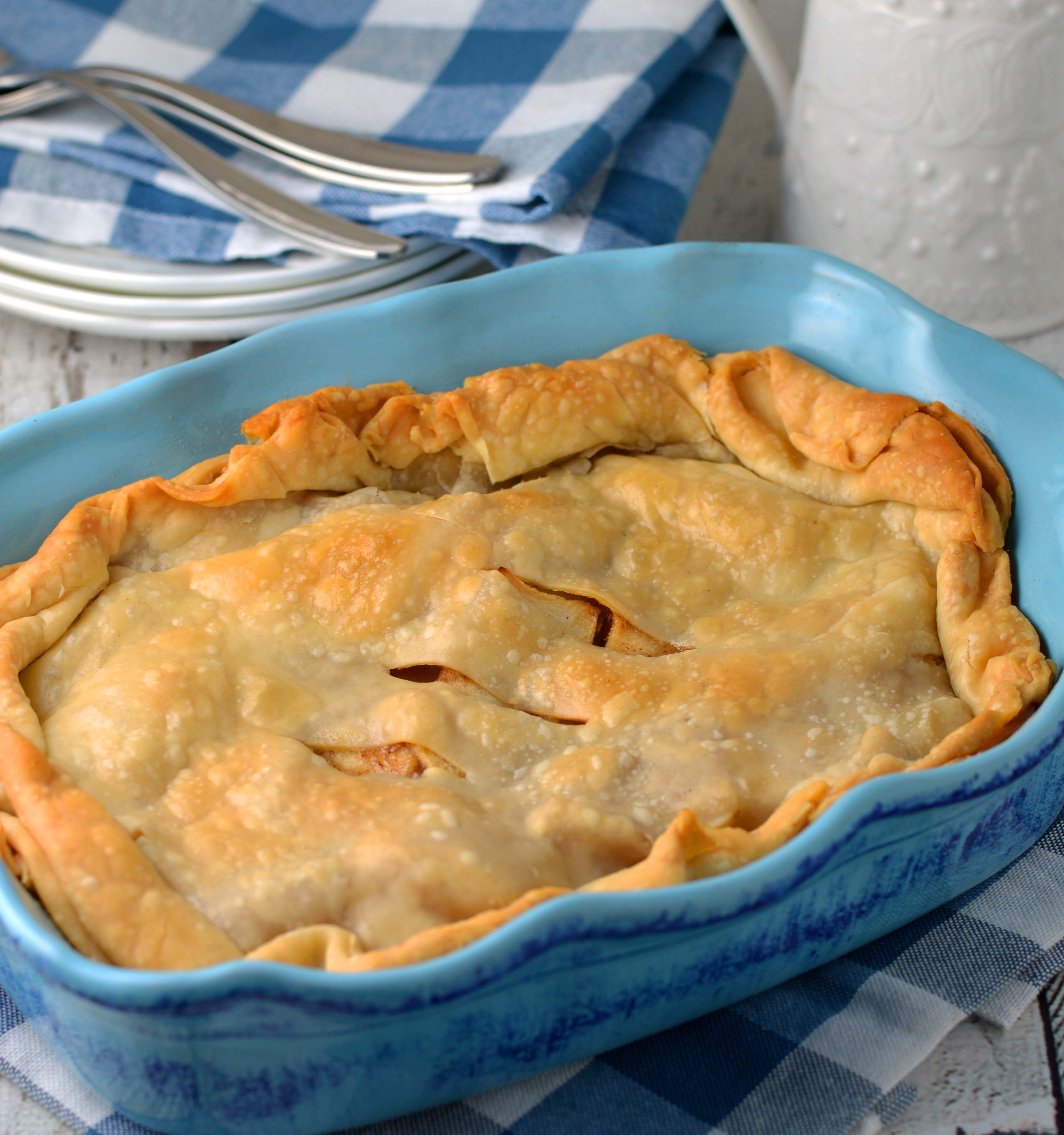 This Scaled Down Apple Pie Only Uses Two Apples And Is