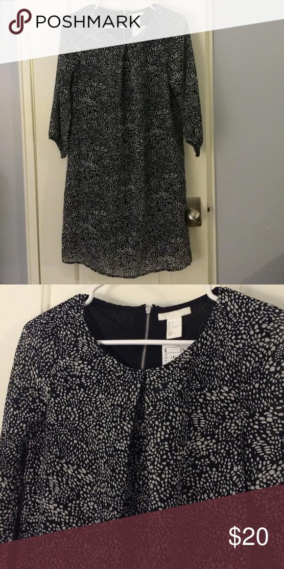 35b92a69d5a H M Chiffon Dress STRAIGHT-CUT CHIFFON DRESS. BOX PLEAT AT FRONT