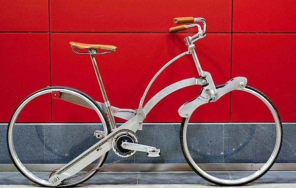 スポークもハブもない折り畳み自転車 Sada Bike タイヤサイズは26インチ えん乗り 自転車のデザイン 折り畳み自転車 自転車