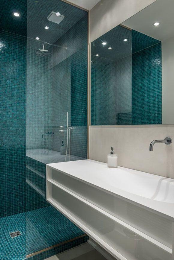 Projet hl atelier delphine carrere salle de bain bleue paredouche verre bagno salle de - Carrelage bleu salle de bain ...