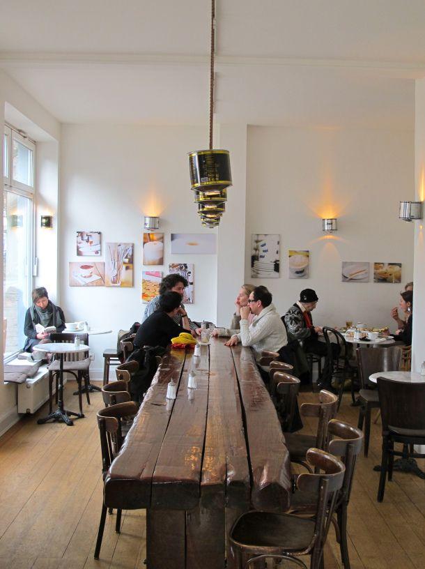 Due Baristi Hamburg De The Coffeevine Mesas Para Restaurante Diseno Del Restaurante Decoracion Restaurantes