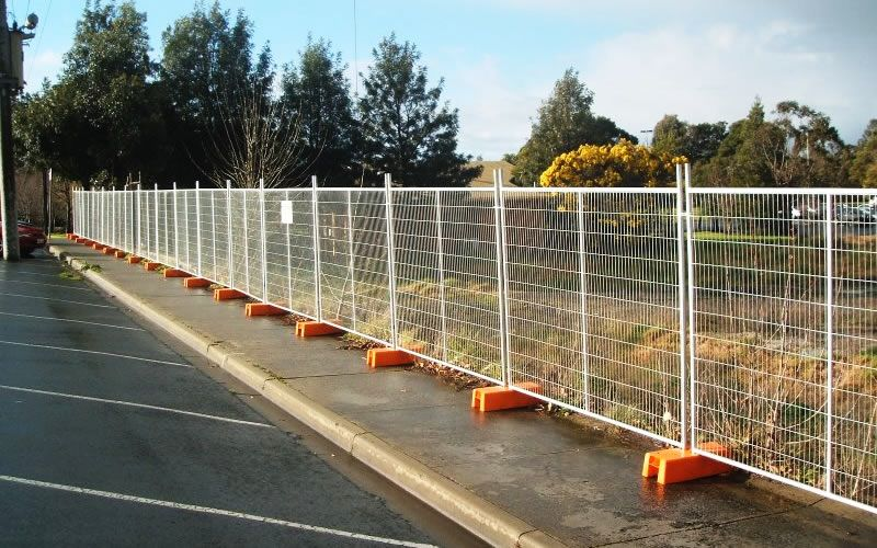 temporary fencing for dogs Outdoor gate, Security fence