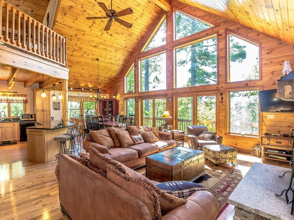 "The Hive"" Luxury Mountain Log Home at... HomeAway"