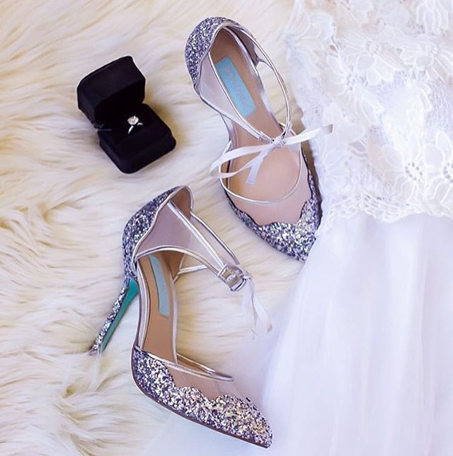 Wedding shoes that sparkle. 👠✨ #marriedinModCloth Featuring: Viva la Diva Heel in Silver and I Now Pronounce You Posh Lace Dress in White  @shallwesasa