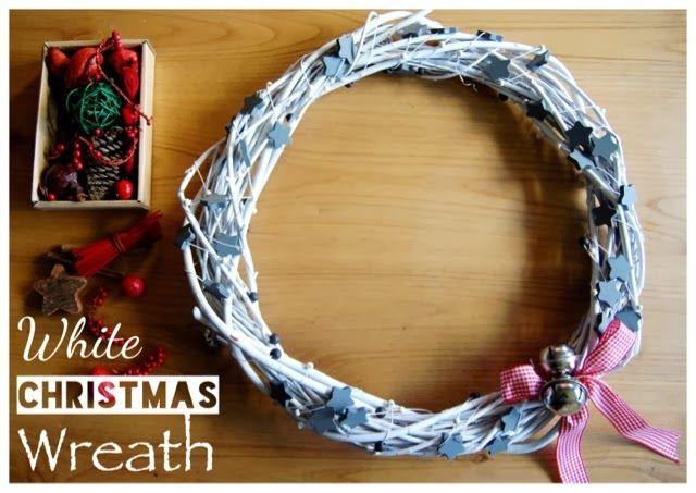 DIY Christmas wreath. Corona navidad en blanco