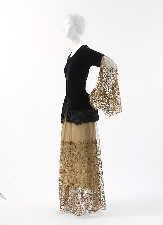 Evening ensemble Paul Poiret (French, Paris 1879–1944 Paris) Date: 1924 Culture: French Medium: cotton, fur, metallic thread, silk
