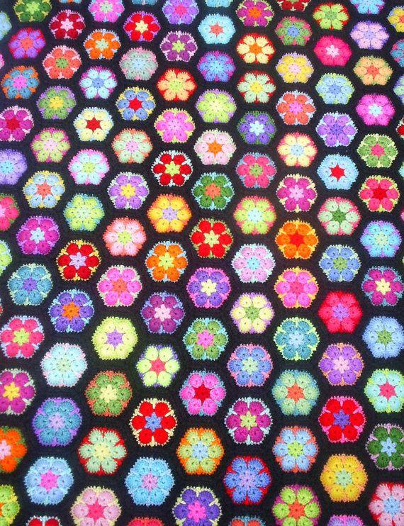 african flower hexagon granny blanket by handmadebyria on Etsy ...