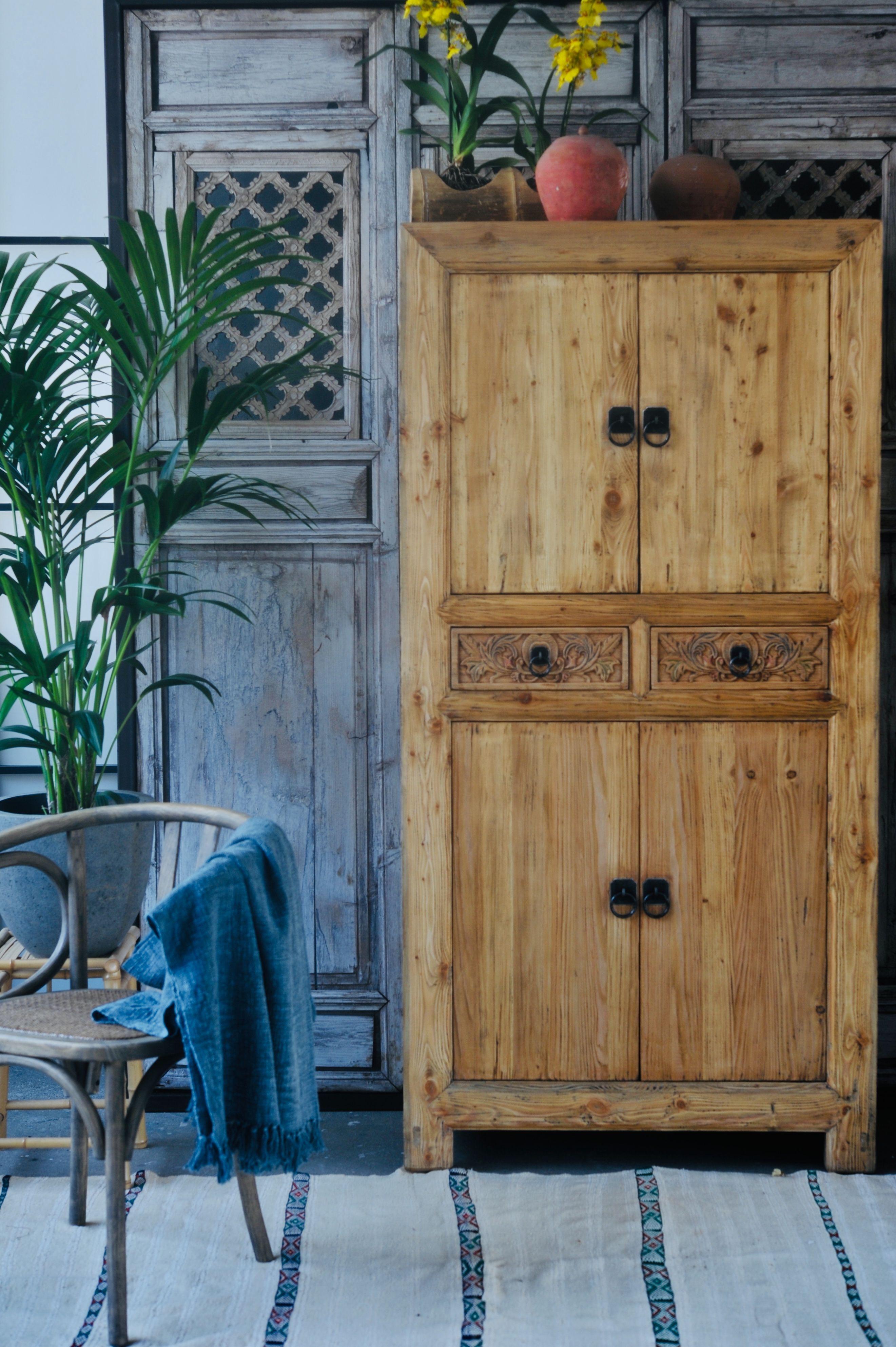 Kommode Massivholzschrank, Holz und Handgefertigte möbel