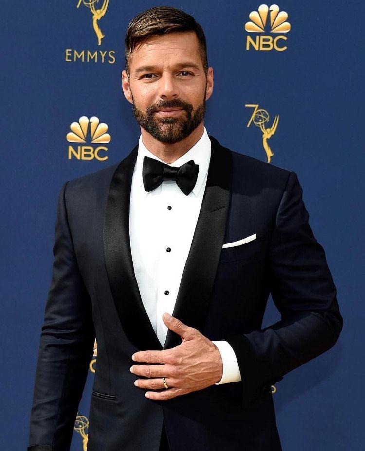 Ricky Martin With Images Ricky Martin Tom Ford Tuxedo Tom