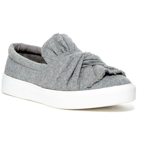 MIA Zoe Slip On Sneaker (860 MXN) </p>                     </div> 		  <!--bof Product URL --> 										<!--eof Product URL --> 					<!--bof Quantity Discounts table --> 											<!--eof Quantity Discounts table --> 				</div> 				                       			</dd> 						<dt class=