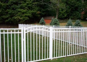 3 Rail White Aluminum Fence Style Canterbury With Self Closing