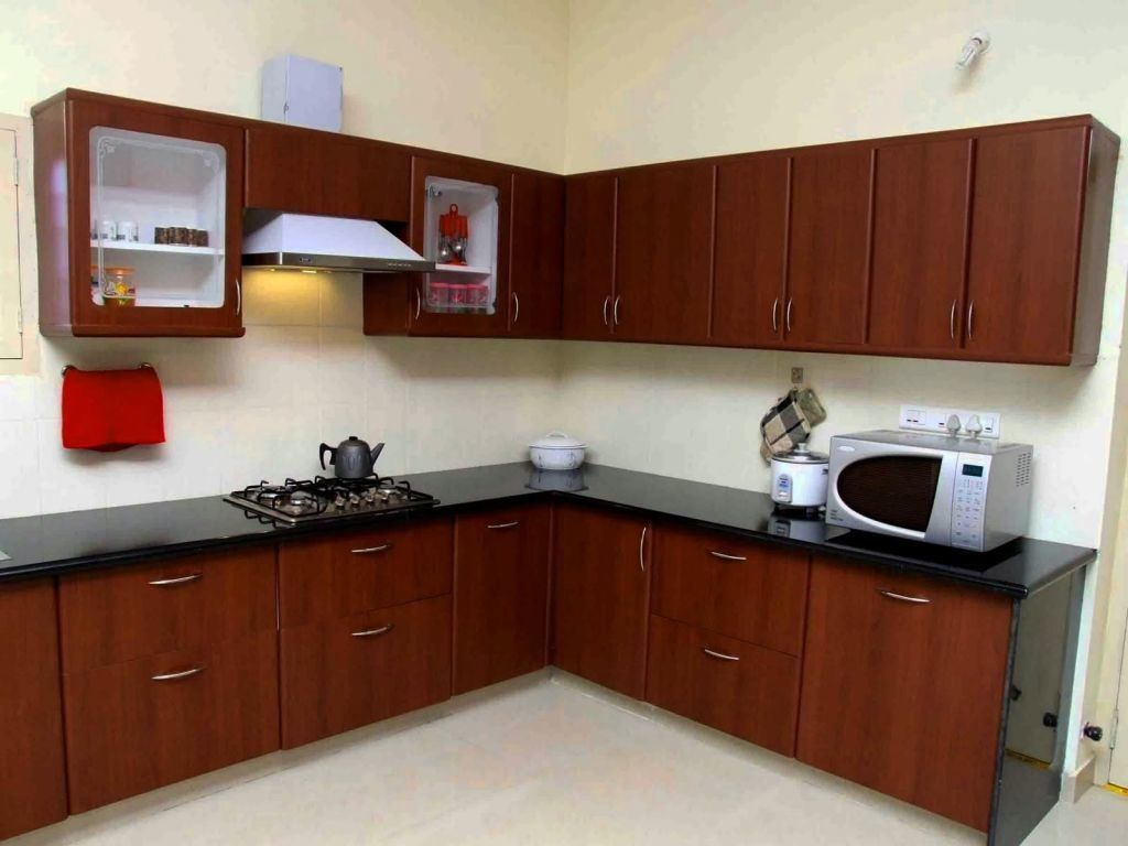 This Kitchen Is Incorporating Aluminium Frame Cabinet Doors With Frosted Glass Inserts Aluminium Frame Doors Are A Great Addition To Rak Dapur Rumah Ide Dapur