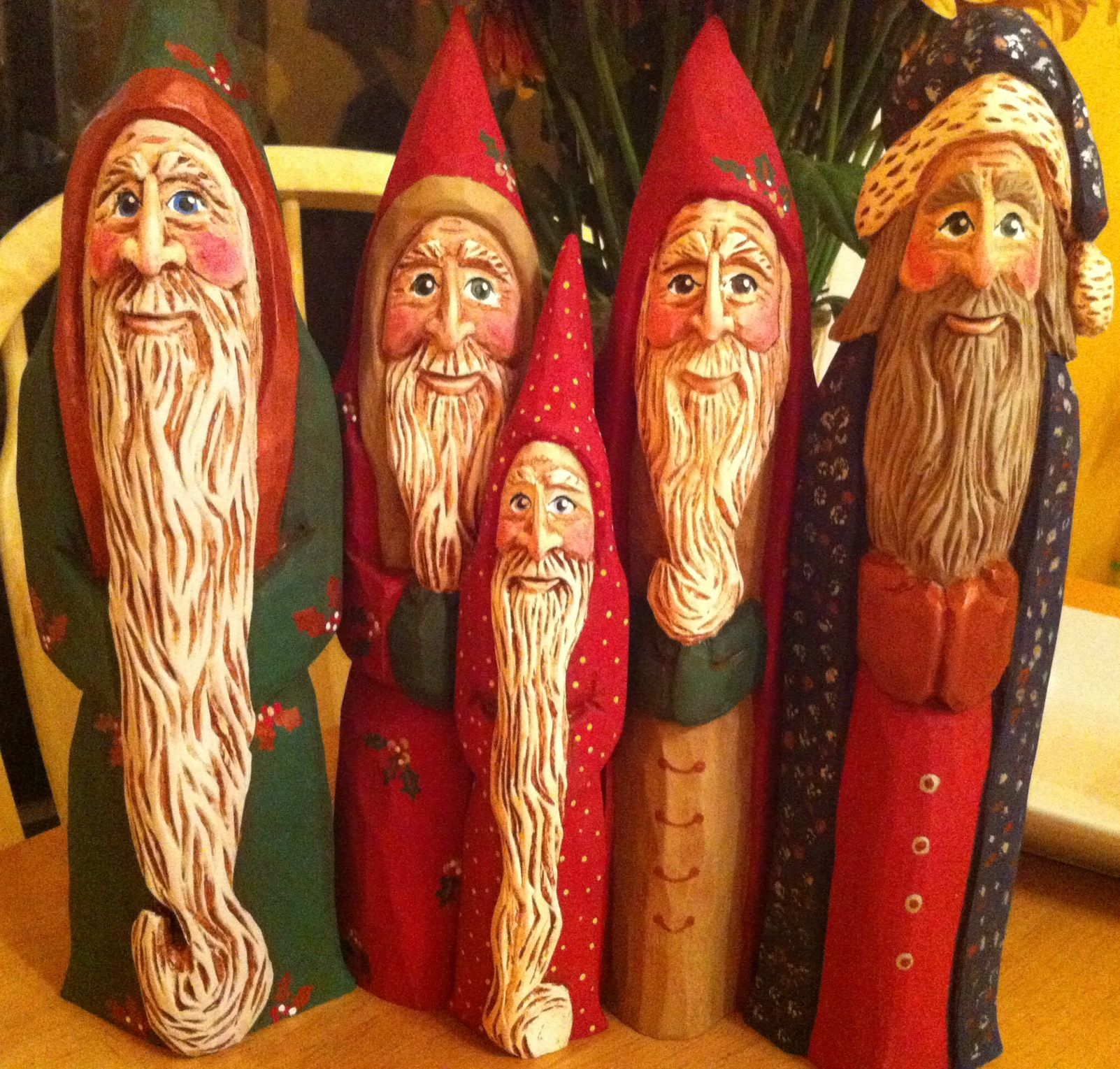 Carved santas hand old world santa or father