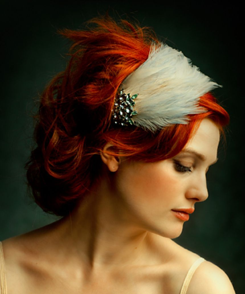 Love the color and the hairband Cheveux glamour, Plume