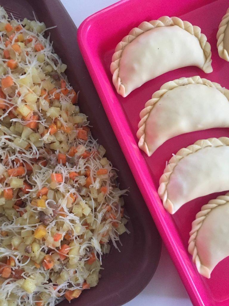 Resep Pastel Goreng Renyah : resep, pastel, goreng, renyah, Resep, Pastel, Goreng, Renyah, Tahan, Pastel,, Food,, Takeout, Container