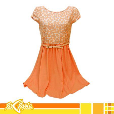 Los #vestidos cortos de fiesta, con detalles florales pueden resultar también #casuales, sobre todo si elegimos uno asimétrico #damas #juvenil #tiendalalgoria