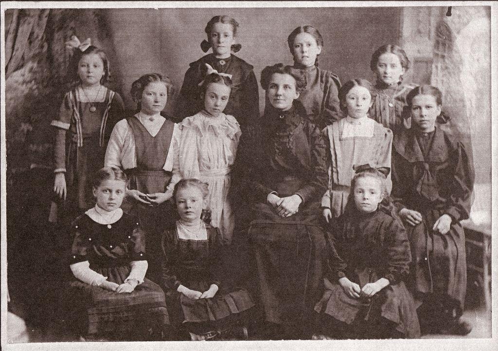 DESCHS-06-22 | Flickr - Photo Sharing!any relation?  Irene Hearnes middle row, second from left with bow in hair