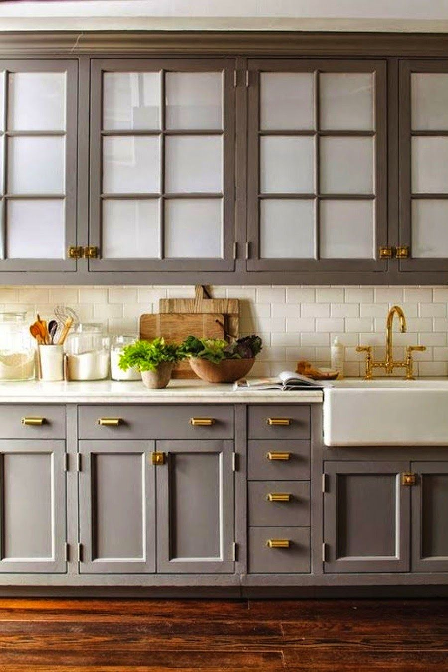 Grey with brass decorology: Going Grey | Decor Kitchens | Pinterest
