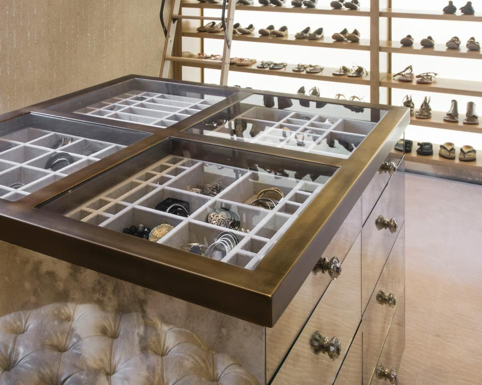 Genial Walk In Closet With Jewelry And Shoe Storage