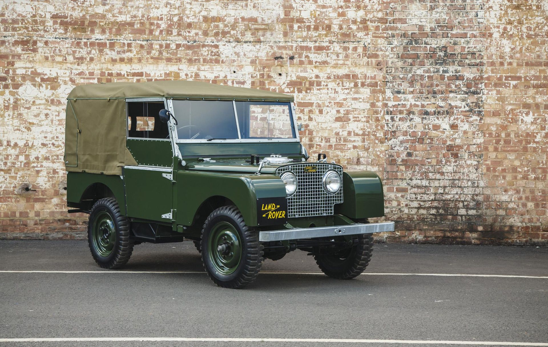 Hot on the heels of Jaguar Land Rover Classic s announcement of nine