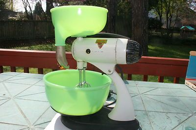 VINTAGE 1940'S or 1950'S SUNBEAM MIXMASTER MIXER WITH JADEITE BOWL AND JUICER
