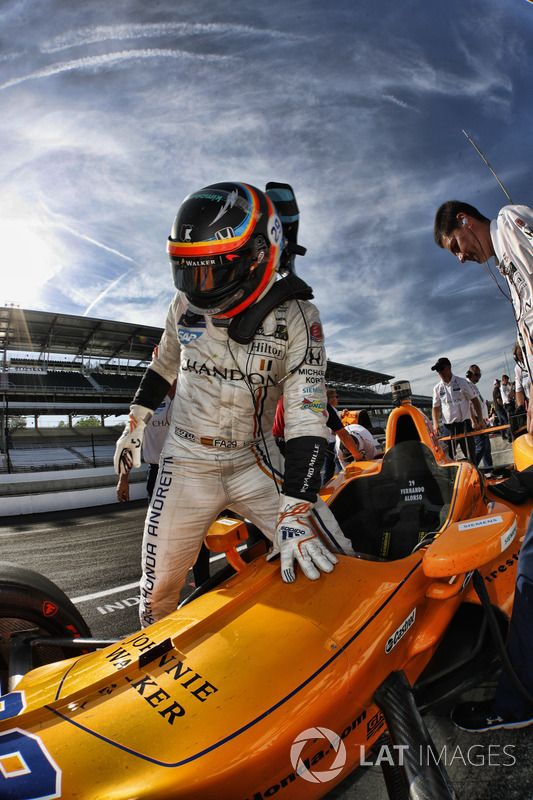 Circuito Fernando Alonso Oviedo : Fernando alonso inaugura su circuito museo vroomkart spain