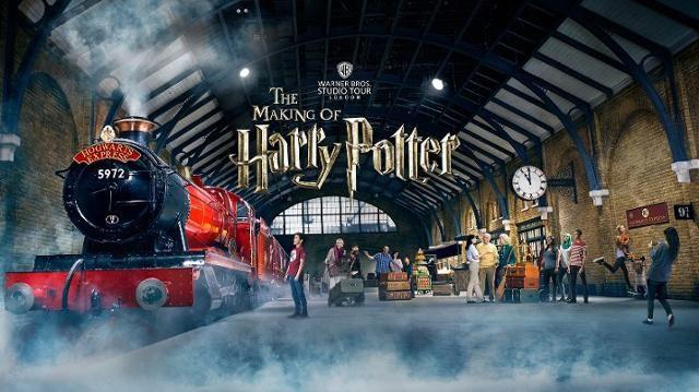 Warner Bros Studio Tour London The Making Of Harry Potter Harry Potter Studio Tour Harry Potter Studios Harry Potter London