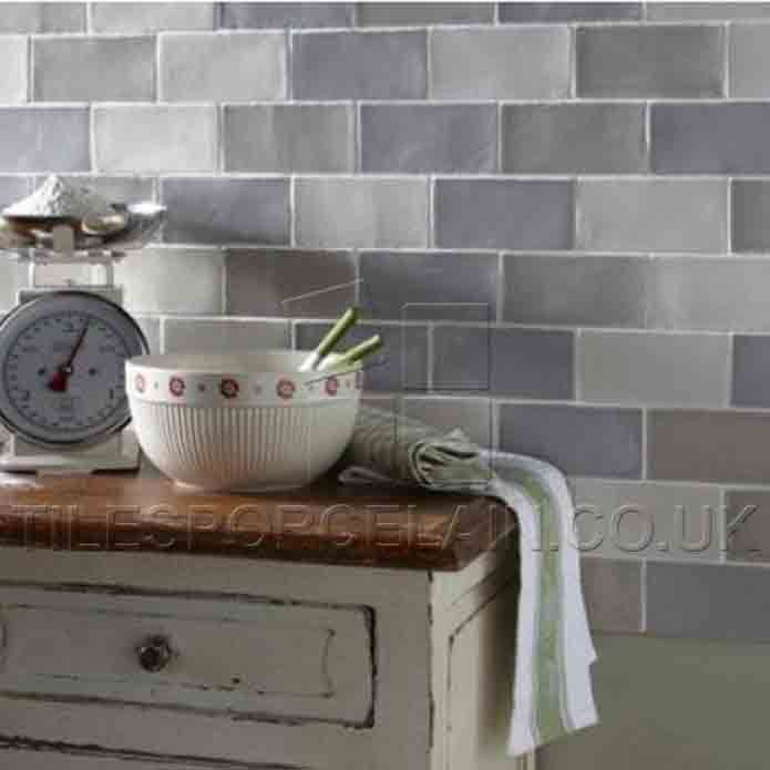 Pin By Elmar Pichorner On Two Doors Kitchen Tiles Kitchen Wall