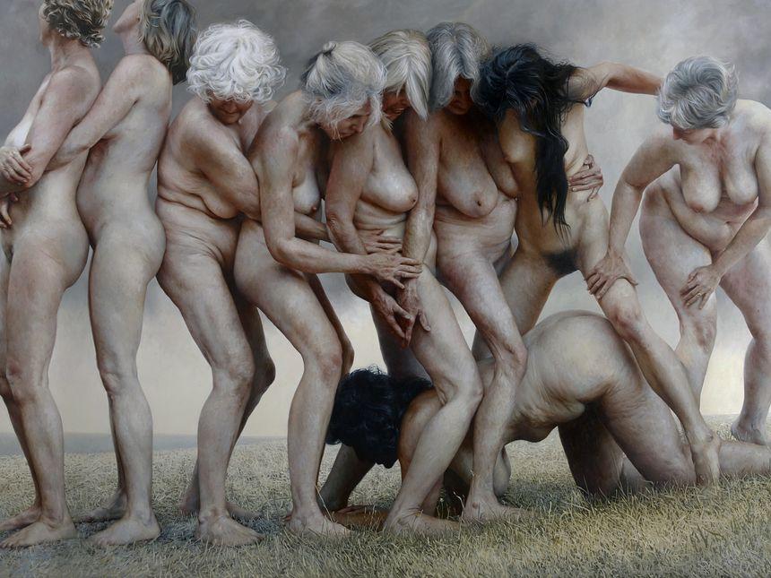 Nude women photo