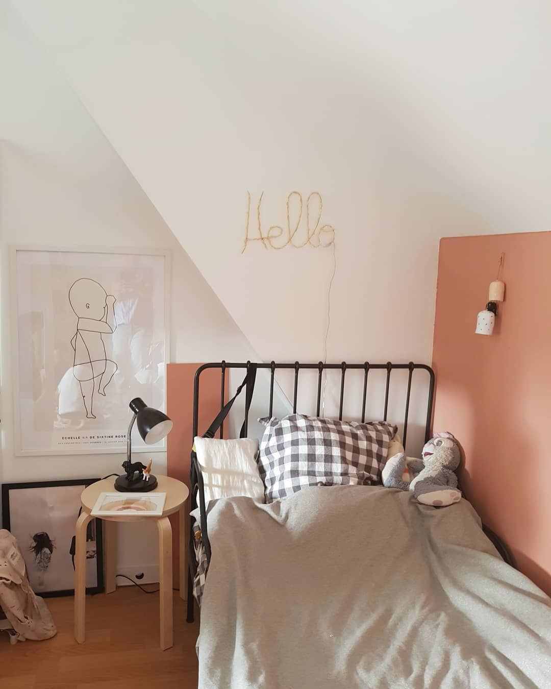 Cuivre Rose  Deco chambre, Déco petite chambre, Déco chambre couleur